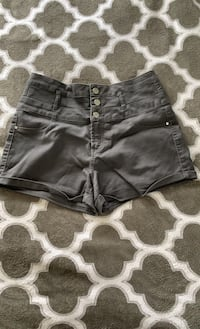 High waisted stretchy shorts