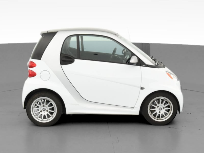 2013 smart fortwo coupe Pure Hatchback Coupe 2D White  25423e24-58c5-4e5d-90db-31bdaea40462