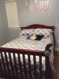 Convertible Crib (3way)-Reduced New Orleans