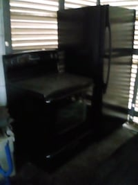 Maytag  electric stove and refrigerator St. Louis, 63120