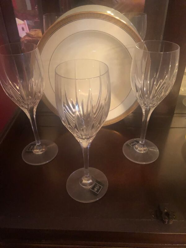 Mikasa Fine China / Crystal Stemware / Waterford Flutes 6