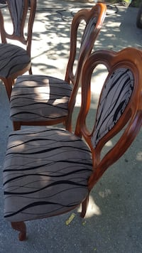 Solid wood 6 dining chairs Toronto, M9V 4S7