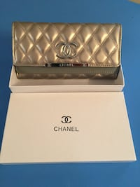 Quilted gold chanel leather wallet Terrebonne, J6Y 2A8