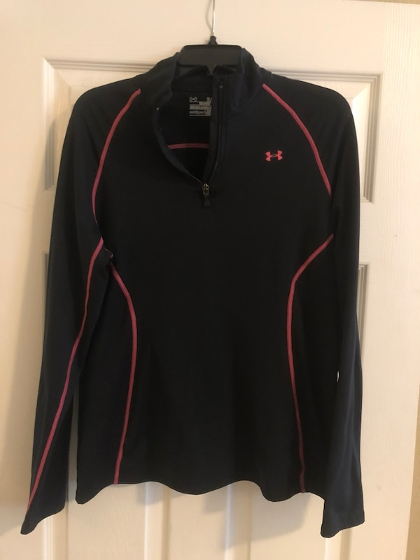 4008df36ca1 Used Under Armour Women s Top for sale in Rockwall - letgo