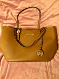 brown Michael Kors leather tote bag Nokesville, 20181