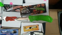 pocket knife lot with boxes
