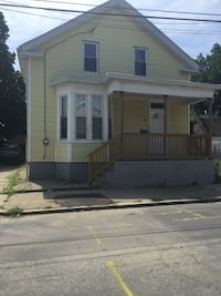 HOUSE For rent 4+BR 2BA Providence
