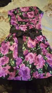 black and purple floral sleeveless dress Mississauga, L5V 3B5