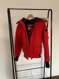 Canada Goose (YOUTH SIZE SMALL) Richmond Hill, L4B 0G9