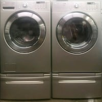 LG washer and dryer front load whit pedestals