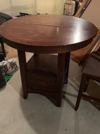 Counter height kitchen table Grand Blanc, 48439