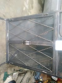 Fire place screen never used 295 mi