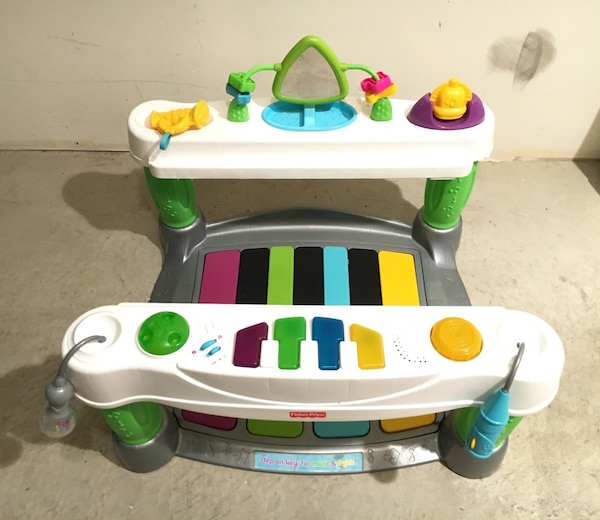 4465a0d86 Used Fisher-Price Little Superstar Step N  Play Piano