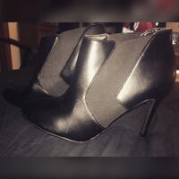 New Cosmopolitan Ankle Booties 6.5 Arnold, 63010