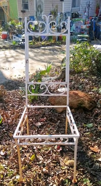 Vintage metal chair frame - add cushions Athens, 30601