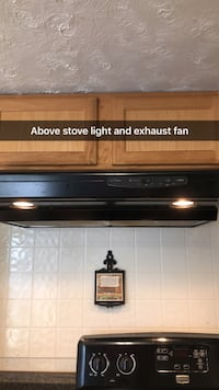 Above stove exhaust fan and light Max Meadows, 24360