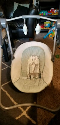 Baby's white and gray swing chair Portland, 97266