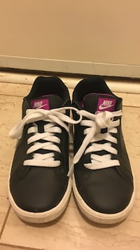 pair of black-and-white Nike low-top sneakers Vancouver, V5Z 3B4