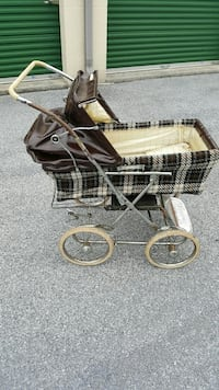 Vintage Hedstrom baby carriage Harrisburg, 17111