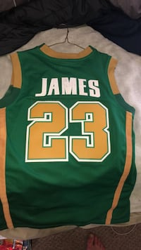 Lebron James high school jersey. Size small  Mansfield, 02048