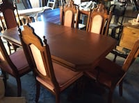 Wood dining table extension table for 8-10 p Toronto, M3K 1Y3