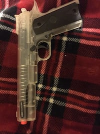 BB gun with bullets null