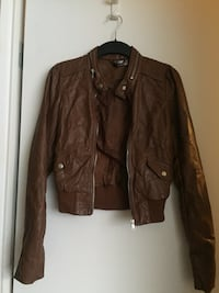 Women's faux leather jacket size 4 brand new Vancouver, V5T 1K9