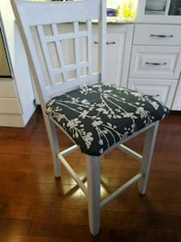 black and white floral padded chair Mississauga, L5M 7Y1