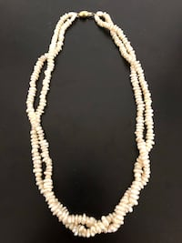 Vintage authentic double strand pearl necklace with yellow gold clasp - 18 inches - retail: $250 Toronto, M2J 1Z1