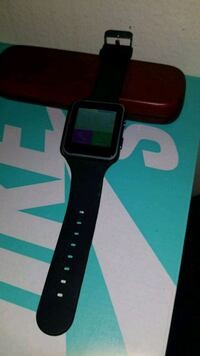 Smart watch brand new with box  Moreno Valley, 92557