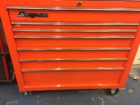 red and gray Snap-on tool chest Herndon, 20170