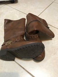 Size 2 girls leather boots .Pair of brown michael kors  Montréal, H8N 1L1