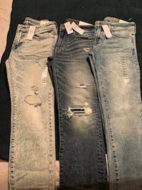 3 pairs of brand new American Eagle men's jeans sizes from 29-30  Vancouver, V5T 3V4