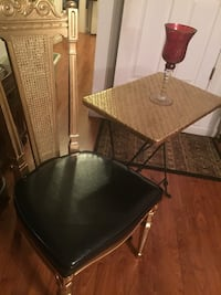 Antique chair with matching table  Avenel, 07001