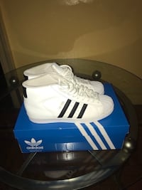 High Top Shell Toe Adidas (Size 9.5) New York, 10019
