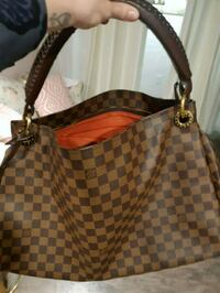 Artsy MM Tote by Louis Vuitton  Hamilton, L8H 3A2