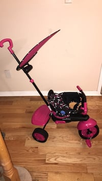 baby's pink and black stroller Ajax, L1S 3X9