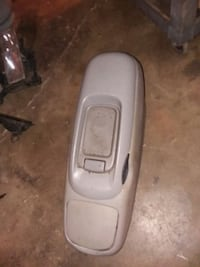 1995 GMC Chevy suburban center console  Vancouver, 98662