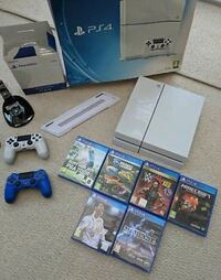 Sony PS4 console with controller and game  Birmingham, B24 8TA