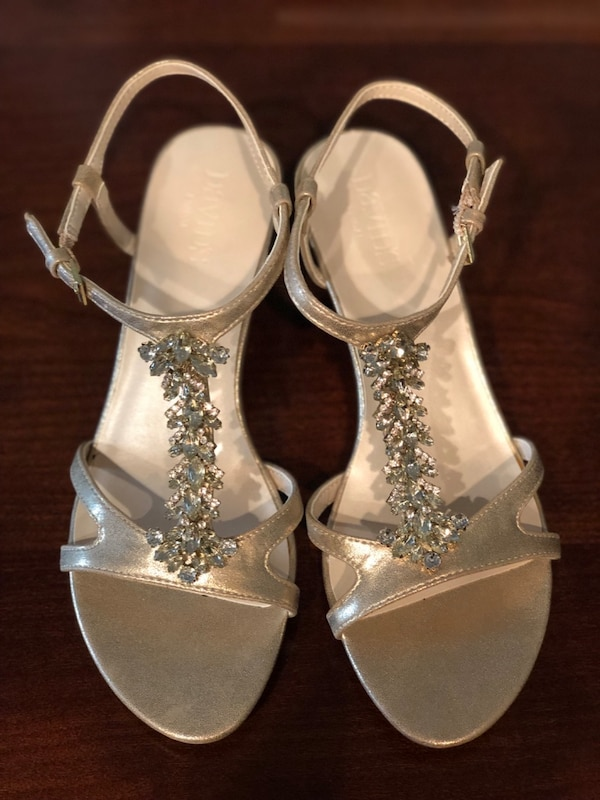 dc6fd7995674 Used Brand new sandals