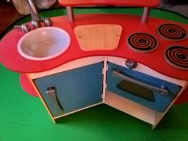 Melissa and Dough Cook's Corner Kitchen and playsets