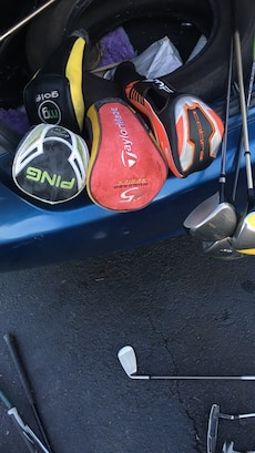 assorted color golf club covers