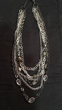 Beautiful costume necklace Harpers Ferry, 25425