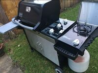Weber Propane Grill very clean  Chicago, 60647
