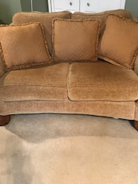 Ashley Furniture Gold Fabric Loveseat  Laurel, 20724
