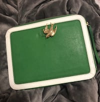 Juicy Couture Clutch iPad holder  Newmarket, L3Y 5A6