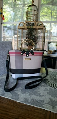 Cute and sharp crossbody  Dupont