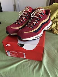 pair of red Nike running shoes with box Lancaster, 93534