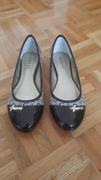guess brown shoes  size-7