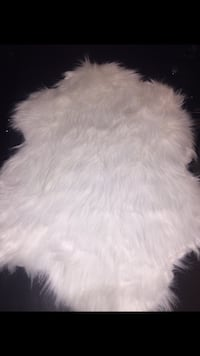 New small white fur rug see details Laurel, 20723